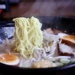 らぁめん道 稲花 - 麺リフト