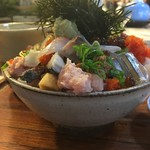 78623567 - 上バラ海鮮丼(側面)