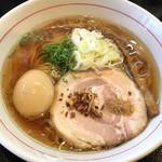 麺屋 義 - 味玉入り義ラーメン(醤油) ¥880