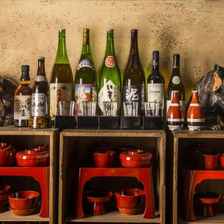 自慢のお料理にぴったりの厳選日本酒の数々
