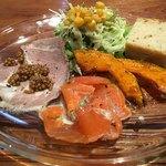78637006 - 前菜(自家製パン、スモークサーモン、カボチャのマリネ、自家製ハム、サラダ)