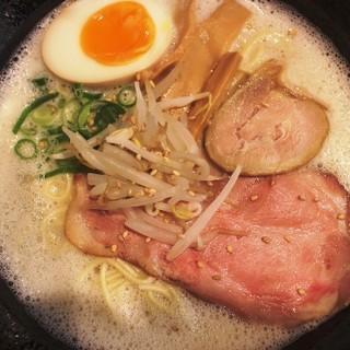 鶏だし&魚介の旨味あふれる鶏白湯ラーメン