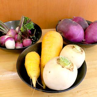 農家直送、新鮮で甘味のある自慢の鎌倉野菜を使用しています。