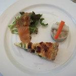 7864618 - 季節の野菜のオードブル/4種のお豆とポテト、ホウレン草のキッシュ