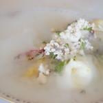 Hagiフランス料理店 - 料理写真:会津のホワイトアスパラ、自家製モッツァレラ、グレープフルーツのソース(2017/7)