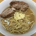 ラーメン二郎 - ラーメン 750円 麺半分・ヤサイ抜き・ニンニクで