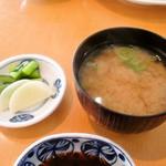 松輪 - 味噌汁 漬物
