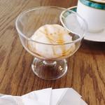 マーブル カフェ - デザートアイス  黒蜜