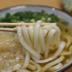 立食いうどん - 麺(かけうどん)