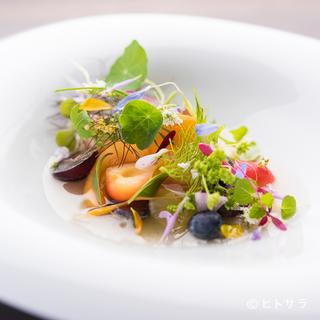悠久の地・奈良の豊かな食材を用いて、自然や季節の物語を紡ぐ