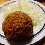 肉の旭屋 - 料理写真:黒毛和牛入メンチカツ