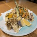 78660556 - 季節の野菜の天ぷら