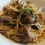 アミーゴ - アサリとキノコのスパゲッティ