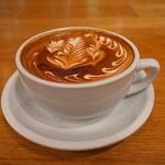 ストリーマー コーヒー カンパニー - 日本橋蛎殻町交差点の角地で目立ち度抜群