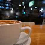 ストリーマー コーヒー カンパニー - 居心地良いのに、長居し難い絶妙な店内