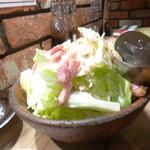 牛庵 - お肉屋さんのシーザーサラダ