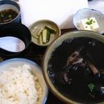 仲泊海産物料理店 - イカ汁定食