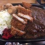 どん八食堂 - 料理写真:ミックスカレー900円