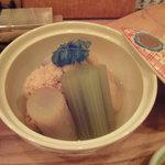 小石川 かとう - 本日の炊き合わせ(鯛の子、竹の子、小芋、ふき、うど、)