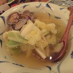 小石川 かとう - 春キャベツとアサリの酒蒸し