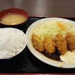 ゆうちゃん食堂 - カキフライ定食