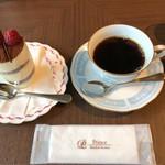 ピカケ - ティラミスとコーヒー