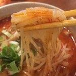 ポーヤイ - トムヤムラーメン麺リフト