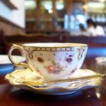 珈琲屋 スプレモ - ロイヤルクラウンダービーのカップ&ソーサー。星柄がキュート☆