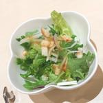 ベツ・バラーレ - セットのサラダ。