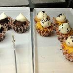 デザート王国 - カップケーキ(プレーンとチョコレート)