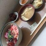 浜町食堂 - マグロ三色丼(^∇^)