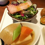 78688486 - マグロのカルパッチョと高野豆腐の煮物