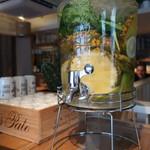 漬け野菜 イソイズム - 自由にとれる水のひとつ
