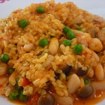グラナダ - 小エビとホタテと豆のトマトソース パエジャ