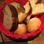 目黒FLAT - 食べ放題の北海道産小麦100%のパン