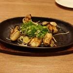 鉄板・お好み焼き 電光石火 - 鉄板焼き・牡蠣バター(780円)