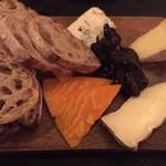 ユリイカ - Plateau de fromage チーズ4種の盛り合わせ