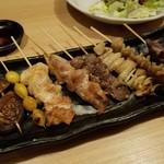 Hidentebasakiagetohonkakukushiyakisemmontentorishin - 串焼き盛合せ