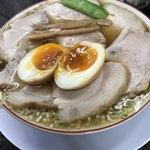 みずさわ屋 - 【2017.12.17】チャーシューもも肉そば(煮卵入り)¥910