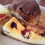 サンルームスイーツ - ランチ、デザートのアップ。ケーキの端が大好きなハジ子です♡