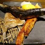 夜景のみえる 北海道原始焼き酒場ルンゴカーニバル - 原始焼き盛り合わせ(1390円)