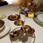メゾン タテル ヨシノ - シャンパンとアミューズからスタート!