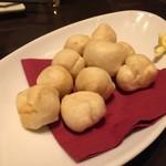 ふれんち食堂 ぴん - もちもち揚げパン 自家製バニラバター