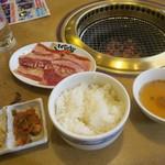 焼肉屋 とくじゅう - 料理写真: