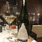 リストランテ カノフィーロ - フリウリのシャルドネ 王冠とコルク
