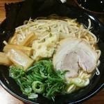 壱角家 - ラーメン並  730円