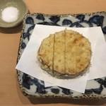 三代目 まる天 - 無農薬さつま芋の天ぷら 一枚揚げ