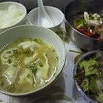アジアン料理 友 - 特製冷麺&手作りスープワンタン定食