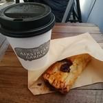 エアストリームガーデン - カフェラテ、ベリーのパイ