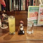 ダブリナーズ カフェ&パブ - ココナッツ&パイナップル(800円)